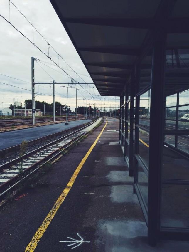 Quais de la gare de Blois