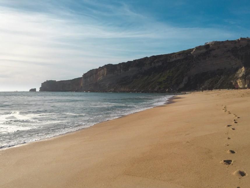 Les Falaises et la plage de Nazaré